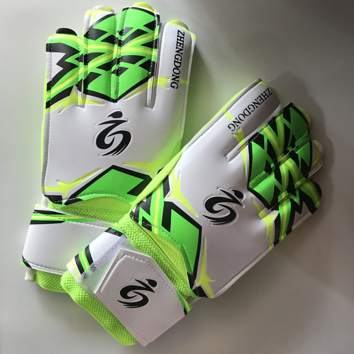 ZHENGDOONG перчатки вратарские  002: зелёный - 1